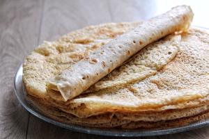 Crêpes moelleuses vegan végétaliennes sans gluten sans lactose sans œufs sans beurre
